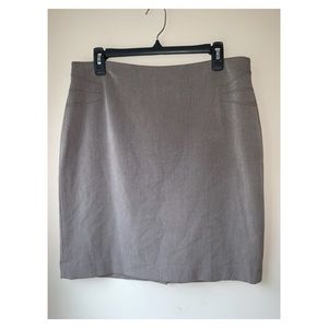 Anne Klein   pencil career skirt size 10